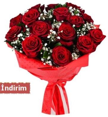 12 Adet kırmızı aşk gülleri  Adıyaman çiçek satışı